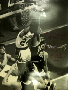Signed photo of Johnny Dawkins